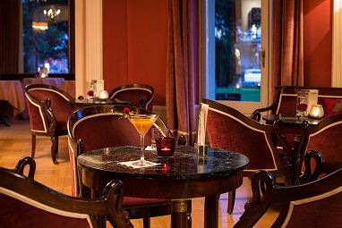Lindner Grand Hotel Beau Rivage: Bar/lounge